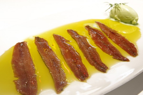 Anchovies from the Cantabrian with green pepper´s ice cream